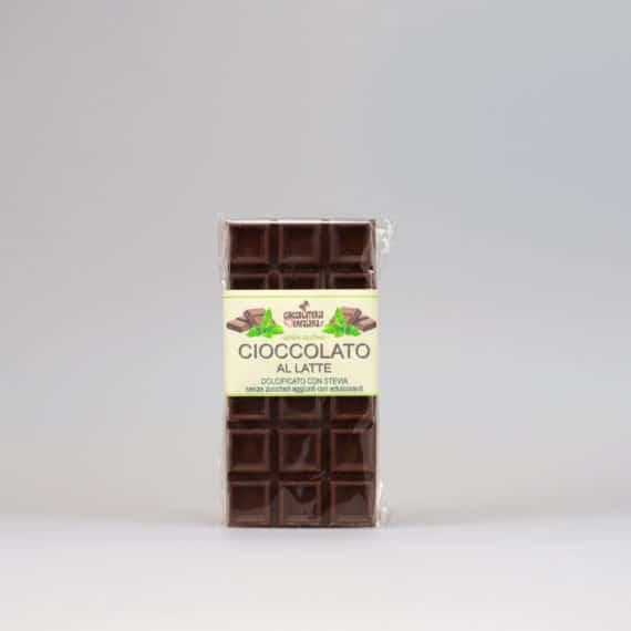 Cioccolato al latte dolcificato con stevia