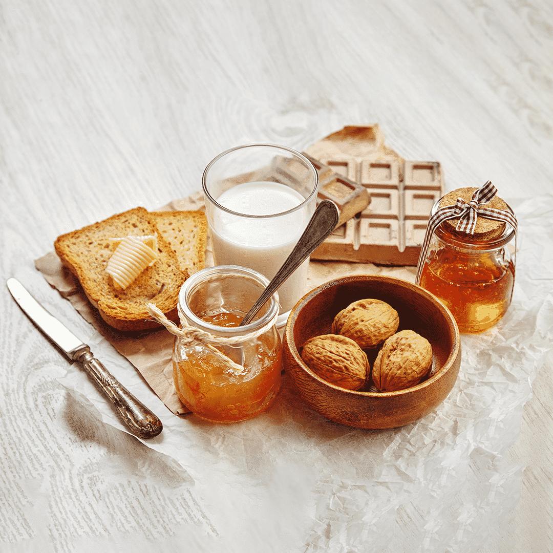 Confetture, miele e frutta
